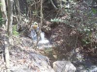 不動瀧から流れる小川
